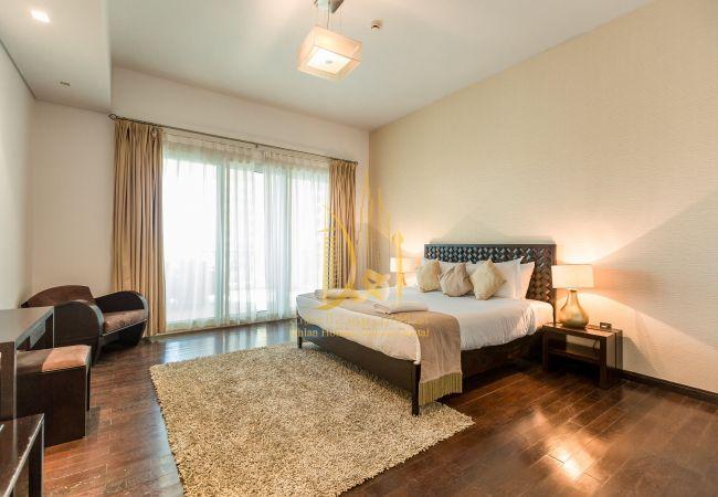 Apartment in Dubai - 307 | 3BR | Marina Residence 1
